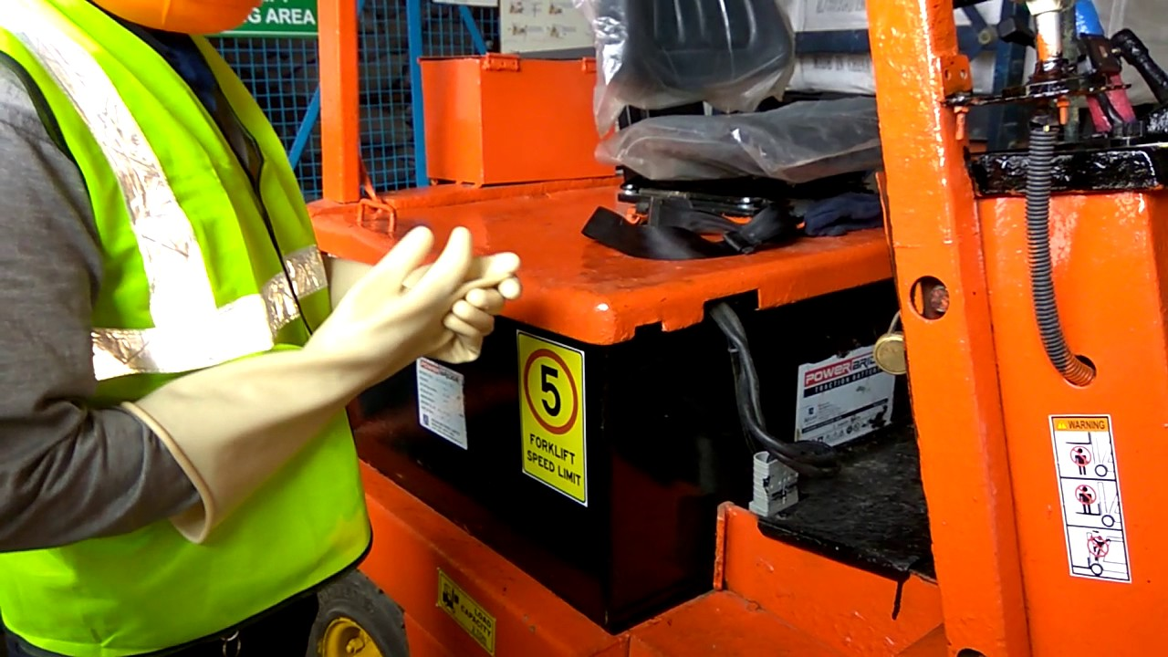Forklift Battery Charging Procedure Youtube