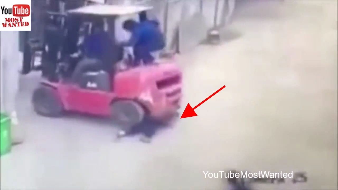 Woman Crushed In Forklift Accident Warning Discretion Is Advised 18 Youtube Toy Car Forklift